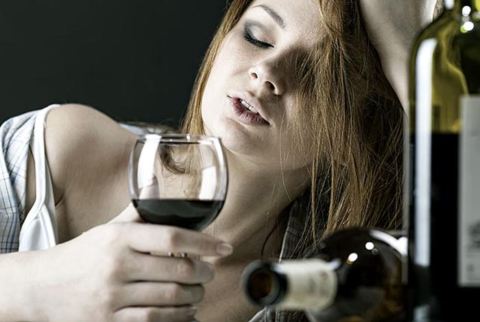 Алкоголизм у девушки
