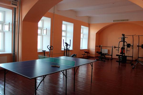Спортзал в новгородском областном наркологическом диспансере «Катарсис»
