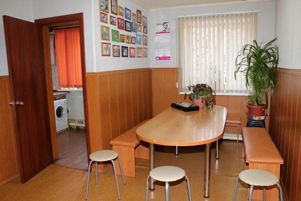 Комната для постояльцев в реабилитационном центре «Крылья»