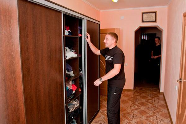 Шкаф постояльцев в центре реабилитации «Опора Алтай»