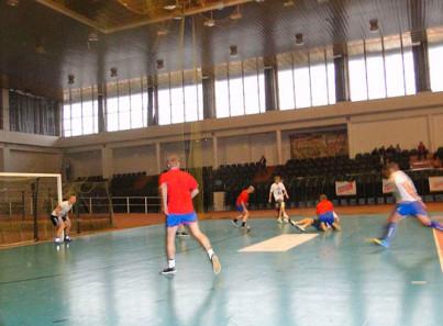 Игра постояльцев в футбол в Центре ресоциализации наркозависимых Калининград