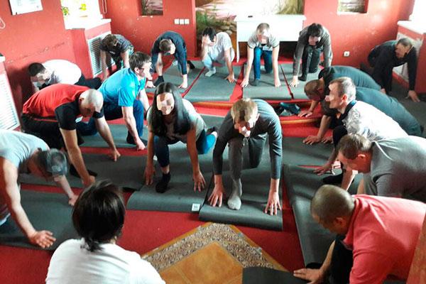 Занятие спортом постояльцами в медицинском реабилитационном центре «Эра» в Казани