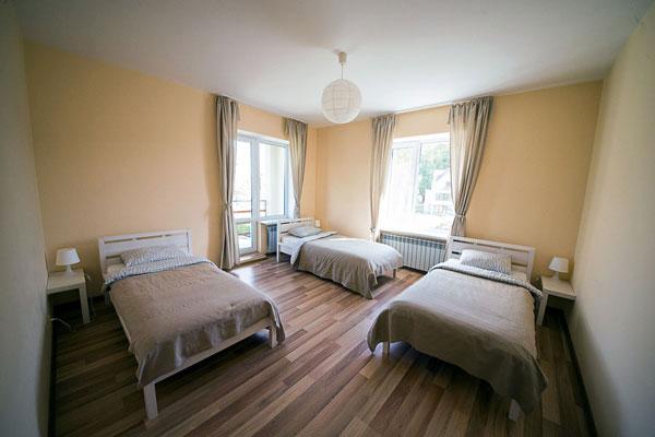 Спальня в реабилитационном наркологическом центре «Мечта» Белгород