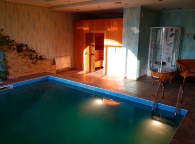 Бассейн в реабилитационном наркологическом центре «Помощь» Москва