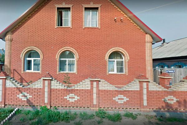Здание реабилитационного центра «Янтарь» Новосибирск