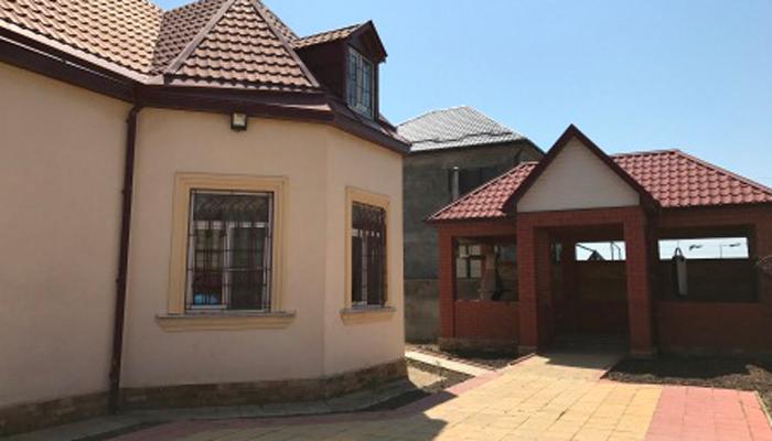 Двор реабилитационного центра «Каспий»