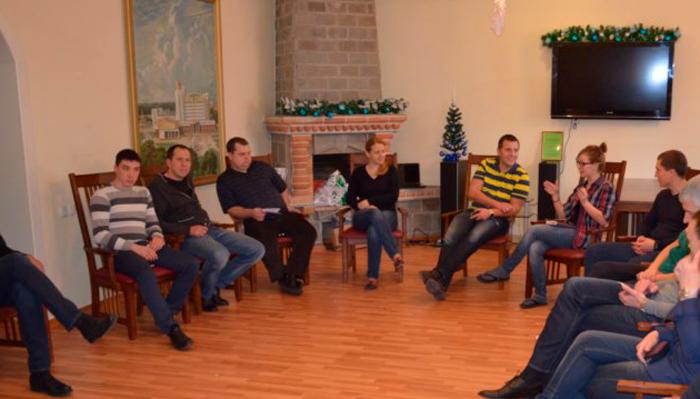 Групповые занятия постояльцев в реабилитационном центре «Открытие» Белгород
