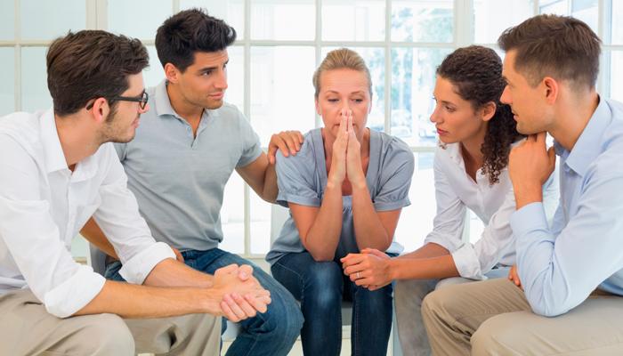 Проведение беседы с зависимым для мотивации на лечение
