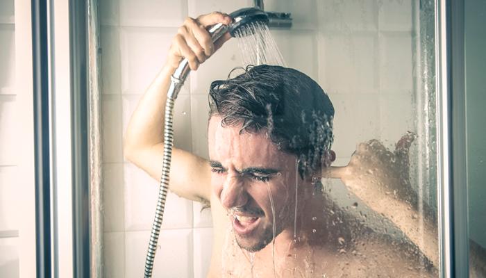 Холодный душ для снятия интоксикации от алкоголя