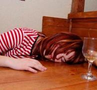 Первая помощь при алкогольном отравлении в домашних условиях