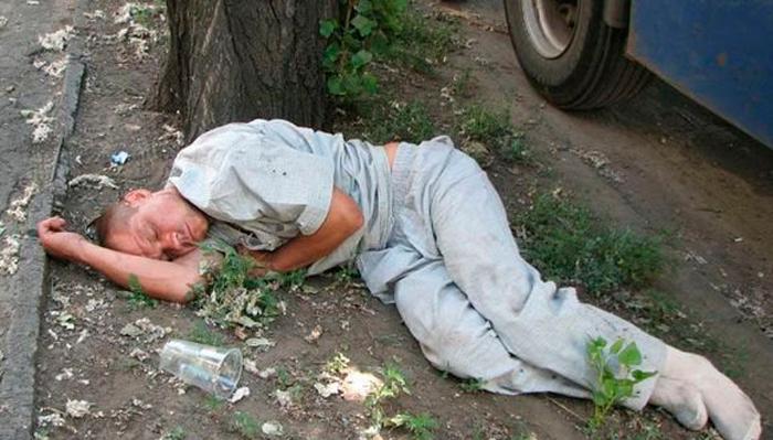 Потеря сознания из-за сильного алкогольного отравления