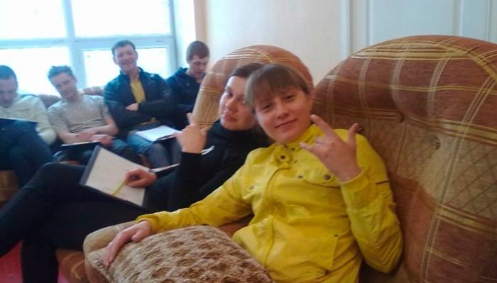 Групповые занятия постояльцев в реабилитационном центре «Берег надежды» (Ижевск)