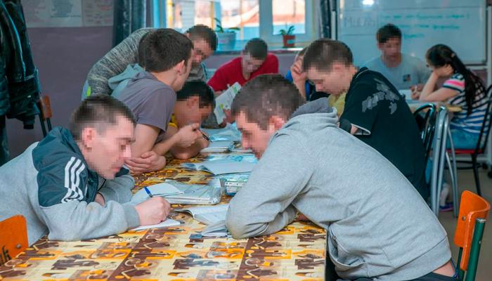 Занятия постояльцев в реабилитационном центре «Развитие» (Санкт-Петербург)