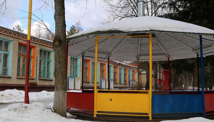 Территория реабилитационного наркологического центра «Вершина-Архангельск»