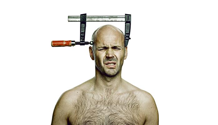 Сильная головная боль при взаимодействии алкоголя с данным препаратом