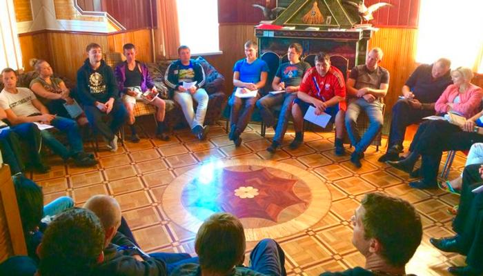 Групповые занятия постояльцев в реабилитационном центре «Решение» (Иваново)