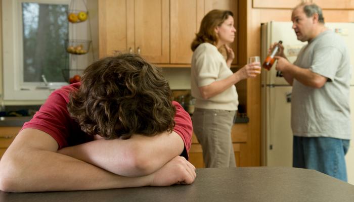 Скандалы и ссоры в пьющей семье