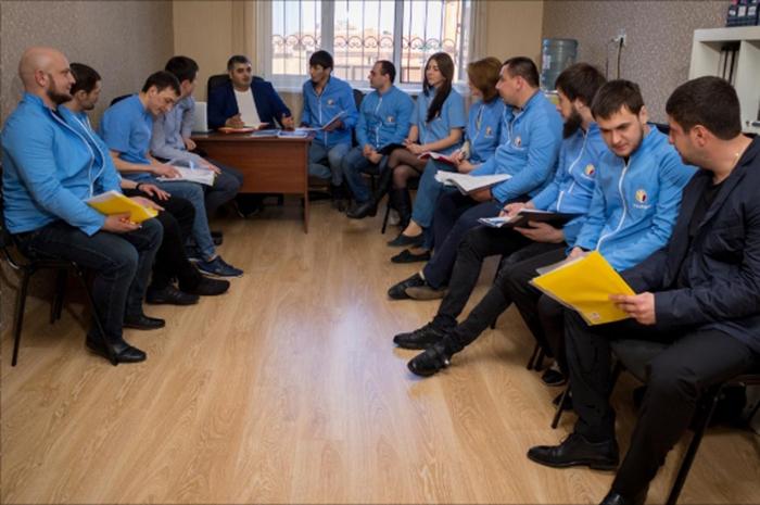 Сотрудники реабилитационного центра Решение