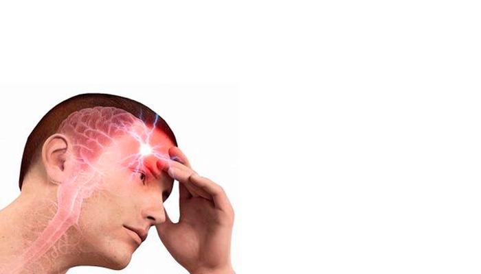 Сильная головная боль в случае отравления метиловым спиртом