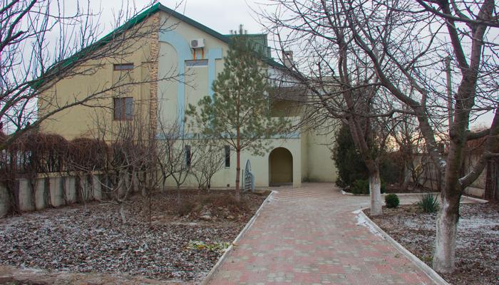 Территория реабилитационного наркологического центра «Нова Эра»