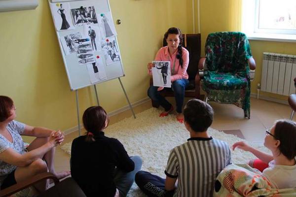 Групповые занятия постояльцев в наркологическом центре «Инсайт» (Казань)