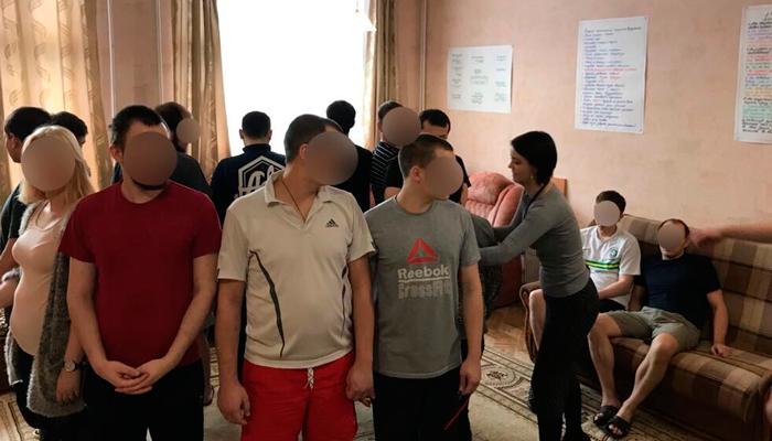 Групповые занятия постояльцев в реабилитационном центре «Маяк» (Воронеж)