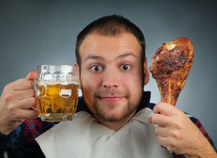 Причина панкреатита - употребление алкоголя