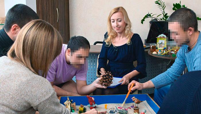 Групповые занятия постояльцев в реабилитационном центре для наркозависимых «Мечта» (Чита)