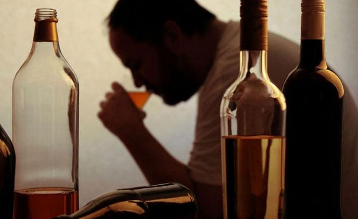 Запойный алкоголизм - основная причина алкогольного гепатоза