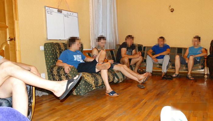 Групповые занятия постояльцев в реабилитационном центре «Вершина» (Ульяновск)