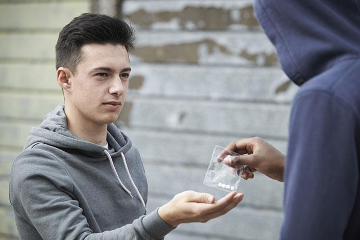 Триган Д является популярным наркотиком у подростков из-за своей доступности