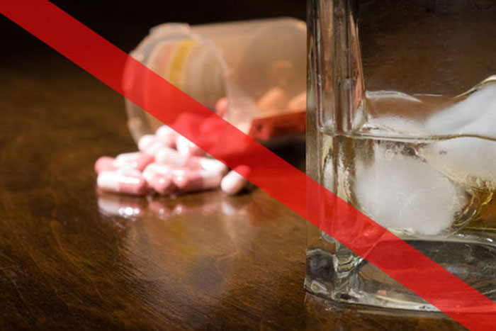 Азитромицин с алкоголем совмещать врачи не рекомендуют