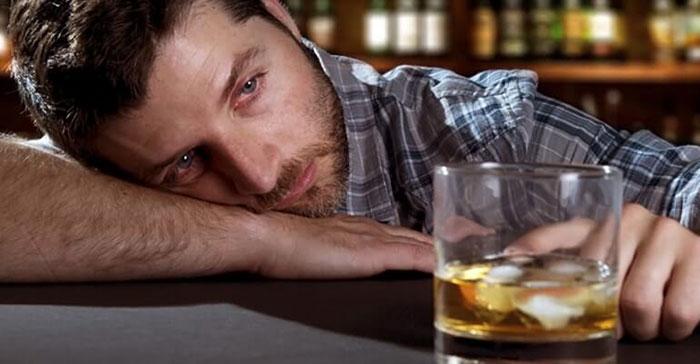 Можно ли употреблять алкоголь при геморрое