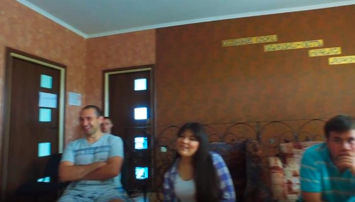 Групповые занятия постояльцев в наркологическом центре «Кристалл» (Харьков)