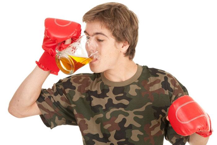 Совмещение алкоголя со спортом значительно снижает эффективность тренировок