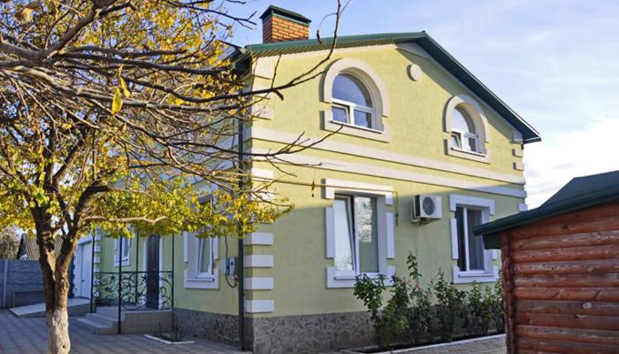 Здание реабилитационного центра «Практик» (Угловоe)