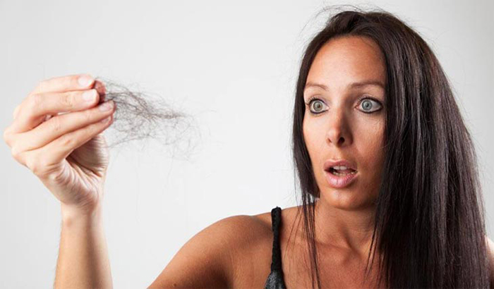 Выпадение волос - реакция организма на никотиновую интоксикацию