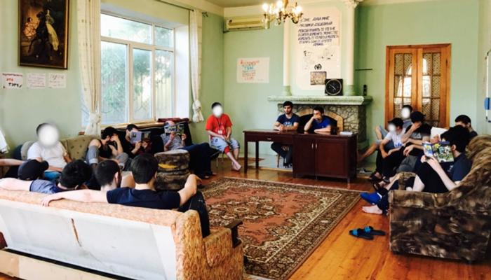 Групповые занятия постояльцев в Спортивном центре реабилитации наркозависимых «Горец» (Махачкала)