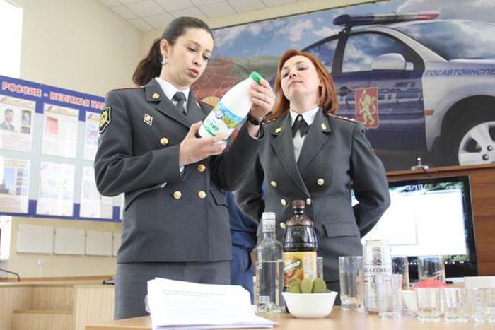 Количество алкоголя в кефире слишком мало, чтобы повлиять на организм