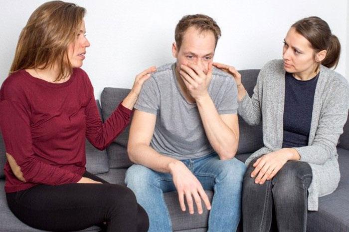 Перед началом лечения алкоголизма на дому, алкоголик должен принять проблему и хотеть побороть её