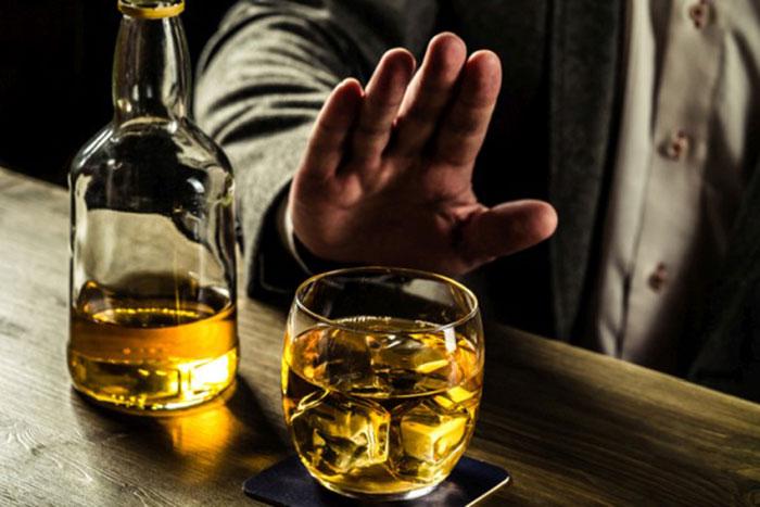Врачи рекомендуют ограничится от приема спиртного во время приема Линкомицина