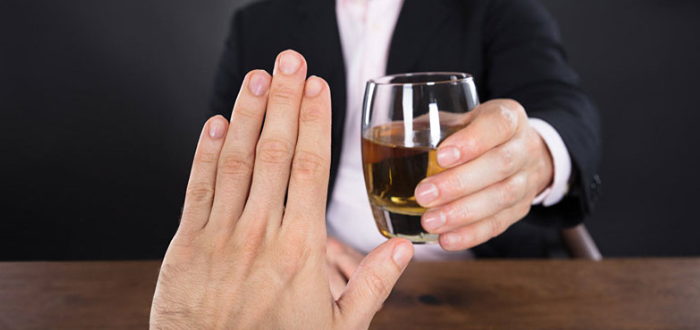 Употреблять спиртное при приеме Детралекса врачи строго не рекомендуют