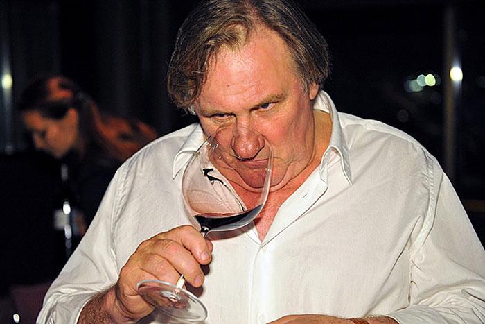 Французы потребляют около 14,2 л. алкоголя на человека в год
