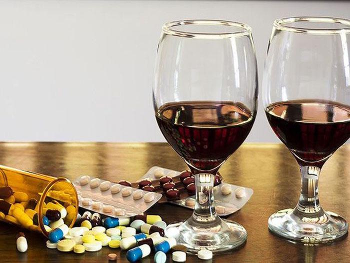 Врачи утверждают - терапия препаратом Бусерелин-депо и прием алкоголя несовместимы
