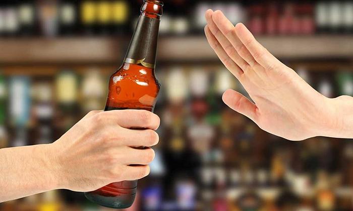 Совмещение алкоголя и Монурала противопоказано специалистами