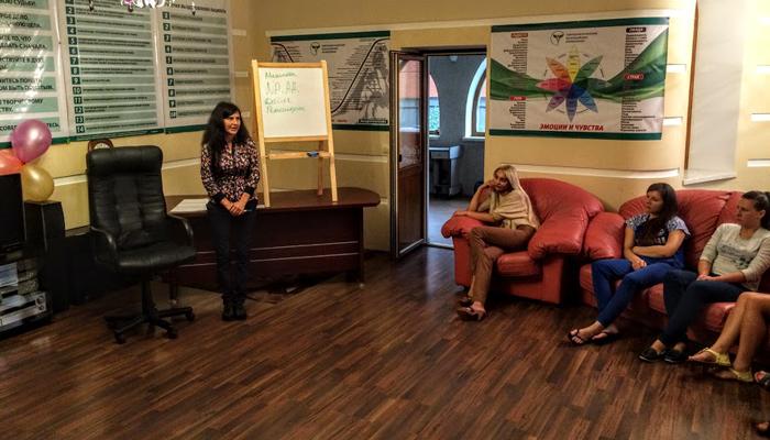 Групповые занятия постояльцев в реабилитационном центре «Резидент-РеНа» (Москва)