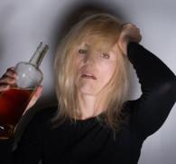 Винный алкоголизм: первые симптомы и эффективное лечение