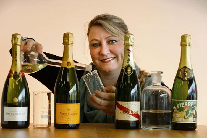 Шампанское следует пить осторожно - Углекислый газ ускоряет наступление опьянения