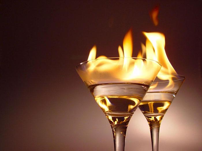 Суррогатными являются растворы содержащие высокое количество спирта