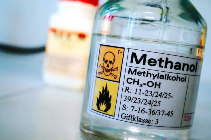 Суррогатный алкоголь на основе метанола смертельно опасный
